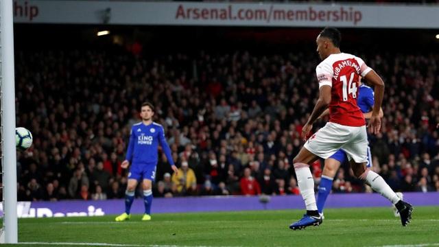 Aubameyang giúp Arsenal vượt lên với một bàn thắng dễ dàng ở phút 63, chỉ hai phút sau khi anh được vào sân