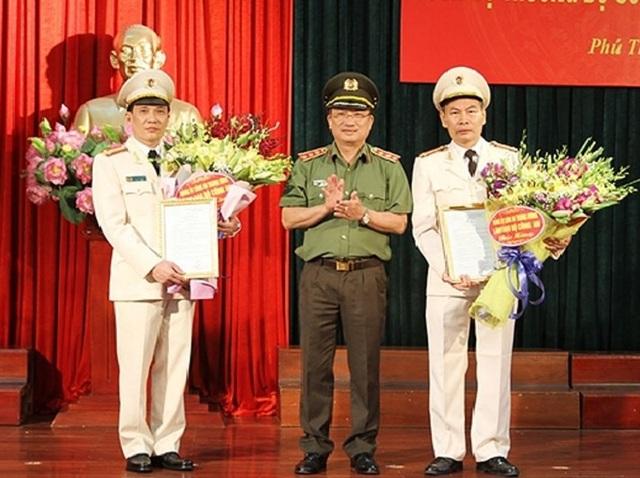 Đại tá Phạm Trường Giang (bìa trái), Phó Giám đốc Công an tỉnh Hải Dương, được điều động giữ chức Giám đốc Công an tỉnh Phú Thọ. Ảnh: Chinhphu.vn