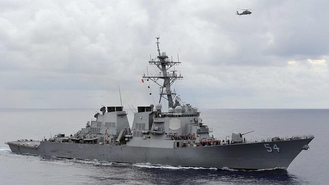 Tàu chiến USS Curtis Wilbur của Hải quân Mỹ (Ảnh: Reuters)