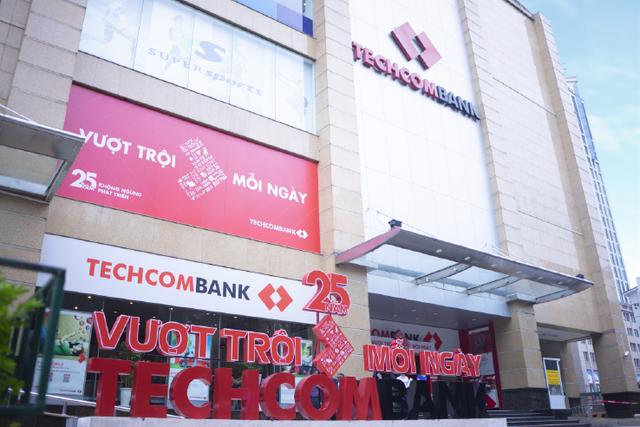 9 tháng, Techcombank đạt 7.774 tỷ đồng lợi nhuận trước thuế - 1