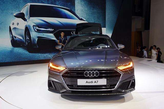 Audi A7 Sportback là mẫu xe kết hợp sức mạnh và đặc tính ưu việt của các dòng Coupé - Sedan - Avant cùng hệ dẫn động bốn bánh toàn thời gian quattro.