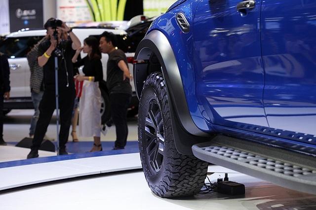 Ford Ranger Raptor chốt giá gần 1,2 tỉ đồng - 5