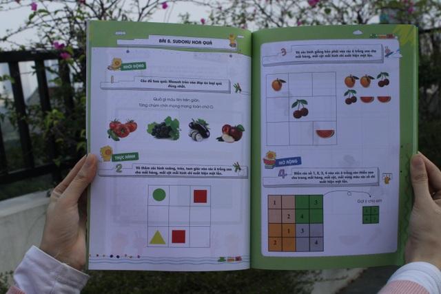 4 tập đầu tiên giúp trẻ làm quen với các chủ đề: cấu trúc số; hình học; quan hệ thứ tự, so sánh và phép tính.