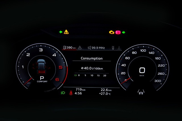 Các thông số hỗ trợ lái xe được hiển thị đầy đủ trên màn hình Virtual Cockpit. Màn hình 12.3 inch với độ phân giải cao có thể chuyển giữa hai chế độ xem từ nút điều khiển trên vô lăng đa chức năng.