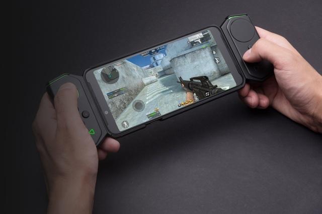 Phụ kiện tay cầm để giúp tăng trải nghiệm cho người dùng khi chơi game