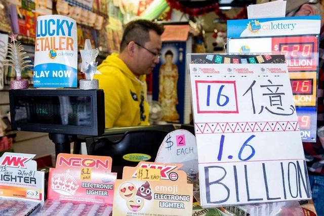 Tấm vé số độc đắc Mega Millions đã được bán ở Nam California. (Ảnh minh họa: Chronile)