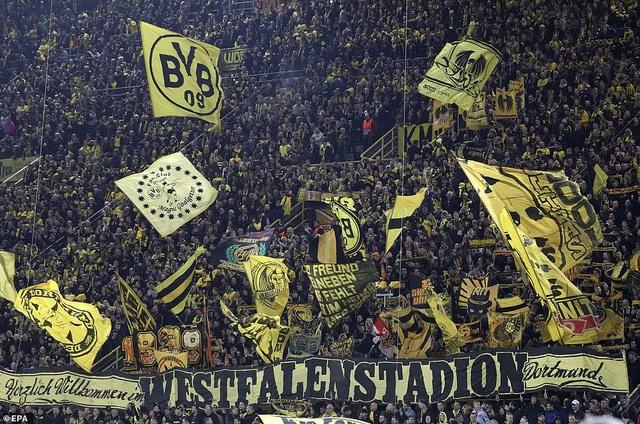 Sân Westfalenstadion mở hội trong ngày Dortmund đè bẹp Atletico