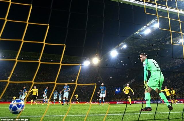 Atletico nhận thất bại đậm đà 0-4 khi làm khách tại Dortmund
