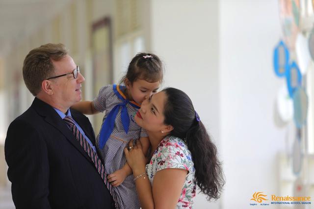 Bí quyết giúp trẻ phấn khởi đi học mỗi ngày - 5