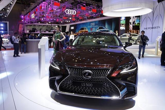 Đẳng cấp Lexus gây ấn tượng mạnh tại Triển lãm Ôtô Việt Nam 2018 - 7
