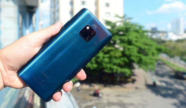 """Huawei Mate 20 Pro: Thiết kế """"lạ đời"""" - 4"""