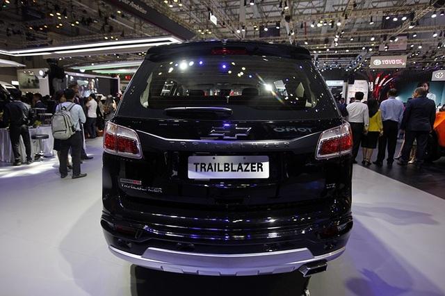 Perfect Black - Gói phụ kiện cá tính cho Chevrolet Trailblazer - 4
