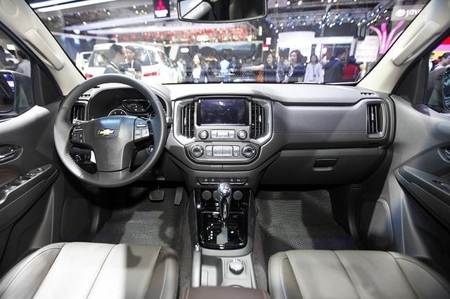 Perfect Black - Gói phụ kiện cá tính cho Chevrolet Trailblazer - 9