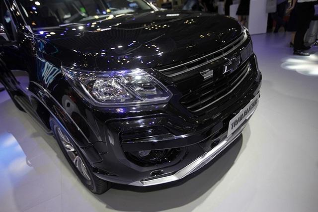 Perfect Black - Gói phụ kiện cá tính cho Chevrolet Trailblazer - 2