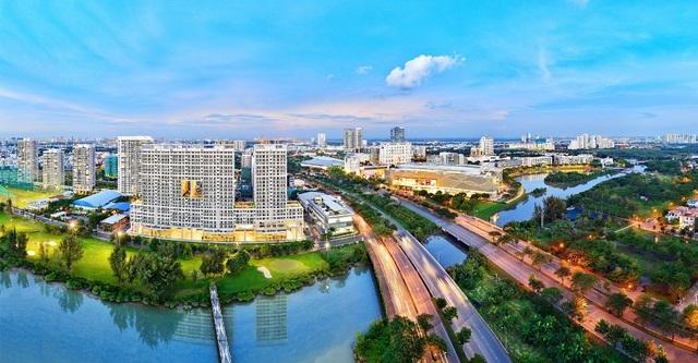 Phú Mỹ Hưng là một trong số ít những đô thị tại Việt Nam được quy hoạch bài bản và khi triển khai tuân thủ đúng quy hoạch ban đầu.