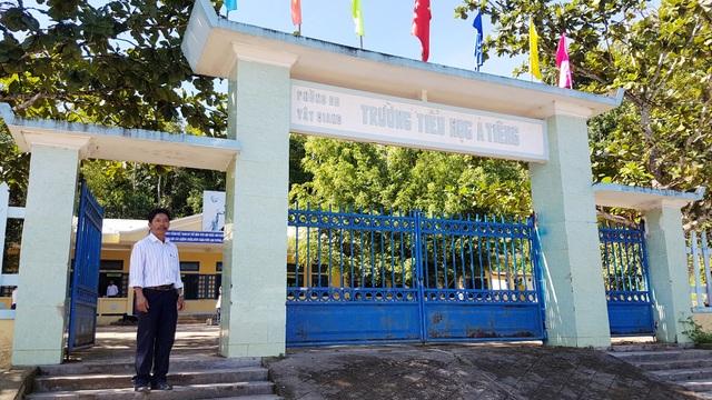 Trường Tiểu học A Tiêng, nơi thầy Bríu Bằng gắn bó với các em học sinh Cơtu mấy chục năm nay