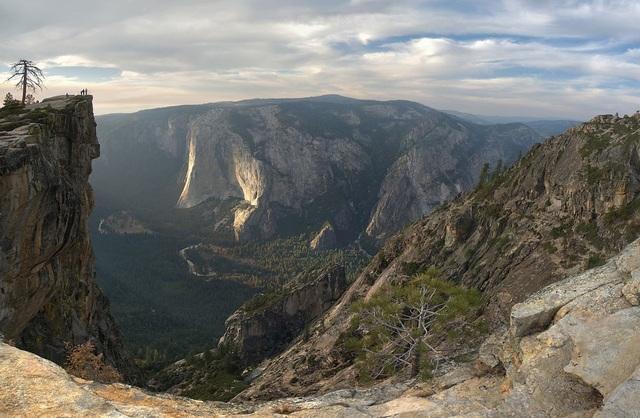 Vẻ đẹp hùng vỹ của vách đá Taft Point