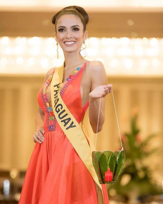 Clara Sosoa nổi bật trong cuộc thi hoa hậu hoàn bình quốc tế được tổ chức tại Myanmar
