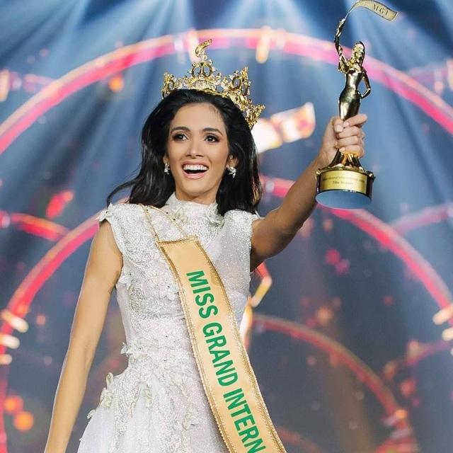 Clara Sosa hạnh phúc với ngôi vị cao nhất