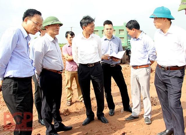 Phó chủ tịch tỉnh Bắc Giang trực tiếp thị sát, thúc tiến độ cung đường giao thông huyết mạch - Ảnh 2.