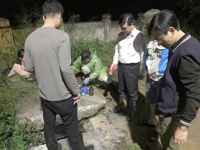 Đoàn thanh tra Tổng cục Môi trường đã bắt quả tang việc xả thải trái phép của Urenco 6 (Ảnh: TNMT).