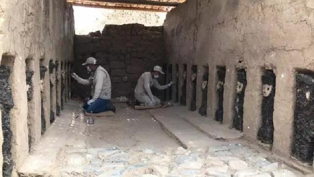 Phát lộ hàng loạt tượng gỗ bí ẩn tại thành cổ bằng đất sét lớn nhất thế giới - 1