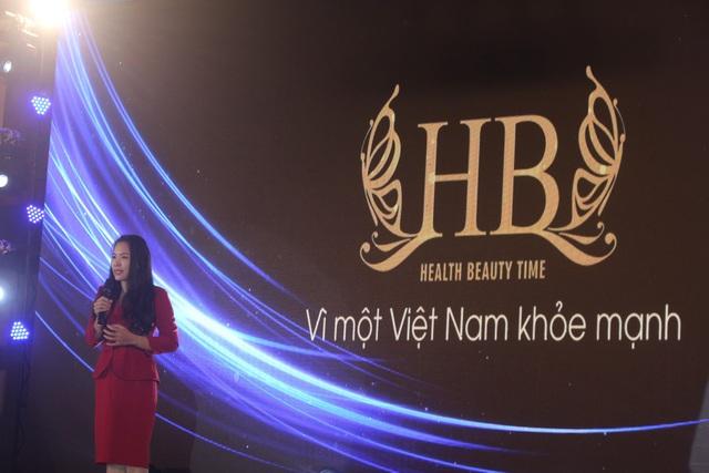 Bà Huỳnh Ngọc Bích, Giám đốc Công ty TNHH HB phát biểu khai mạc vòng thi chung kết.