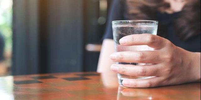 7 lý do khiến bạn luôn cảm thấy rất khát - 1