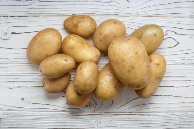 Tại sao không nên để khoai tây trong tủ lạnh? - Ảnh 1.