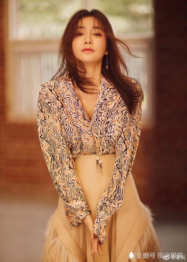 Với chiều cao 1,65 m và gương mặt đẹp nổi bật, Tần Lam được khán giả và các đạo diễn yêu mến. Ngoài Hoàn Châu cách cách 3, cô còn tham gia các bộ phim như Phong vân 2, Tú nương Lan Hinh, Nam Kinh Nam Kinh, Sở Hán truyền kỳ, Thần điêu đại hiệp 2014. Cô nhiều lần được đề cử tại giải truyền hình Kim Ưng, LHP châu Á.