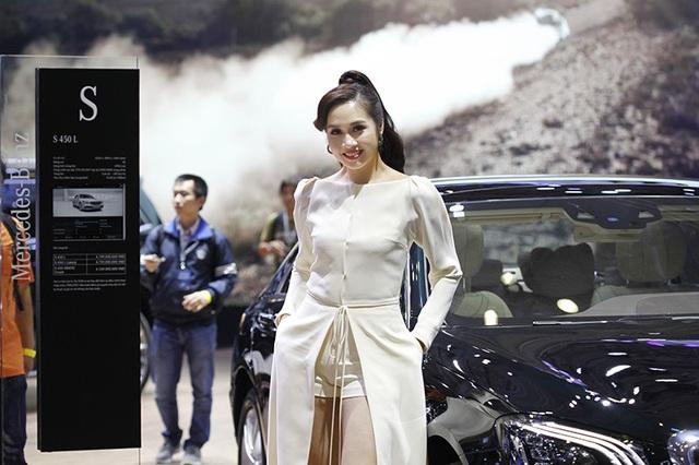 Những bóng hồng rực rỡ tại Triển lãm Vietnam Motor Show 2018 - 20