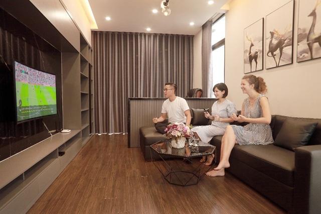 Fan bóng đá dễ dàng thưởng thức các trận bóng khuya tại nhà với K+ TV Box
