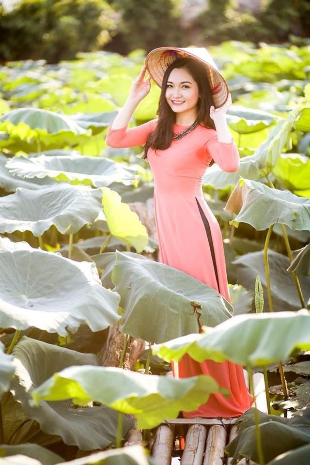 Nhật Linh tham gia rất nhiều chương trình lớn nhỏ với vai trò ca sĩ như Chúng tôi là chiến sĩ, chương trình trực tiếp Tết xuân của Bộ Quốc phòng,...