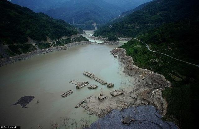 7 địa điểm ngập chìm trong nước kỳ lạ trên thế giới - 7