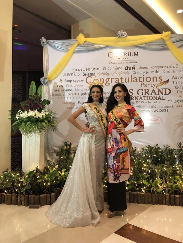 Phương Nga và Miss Grand Intetnational 2018.