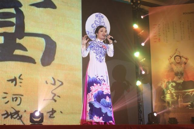 Ban giám khảo cho biết thí sinh tham gia vòng chung kết có sự đầu tư về trang phục, giọng hát.