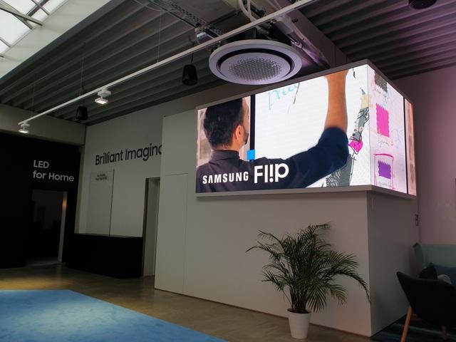 Thiết kế màn hình LED vuông cũng là một hình thức được các nhà quảng cáo lựa chọn.