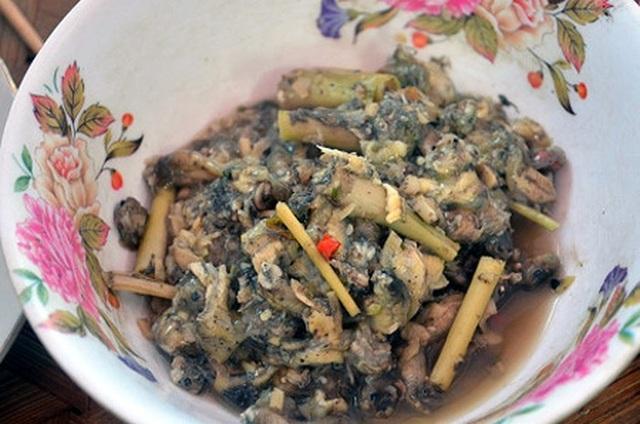 Nòng nọc om măng - món ăn được người Mường Thanh Hóa xem là đặc sản. Ảnh minh họa
