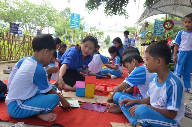Quảng Ngãi: Học sinh thích thú với giờ ra chơi trải nghiệm - 4