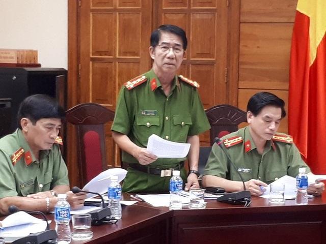 Đại tá Phạm Thật, Phó Giám đốc Công an tỉnh Bình Thuận, phát biểu trong cuộc họp triệt phá tín dụng đen.