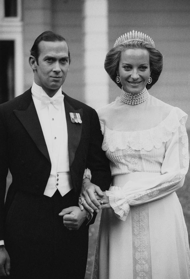Năm 1978, Công chúa Michael, còn được gọi là Marie Christine, chỉ đội vương miện sau đám cưới chứ không phải trong buổi lễ sang trọng chính thức. Cô đã chọn vương miện Kent City of London Fringe - một món quà ban đầu được trao cho mẹ chồng của công chúa Michael, công chúa Marina, nữ công tước xứ Kent trong ngày cưới của bà vào năm 1934.