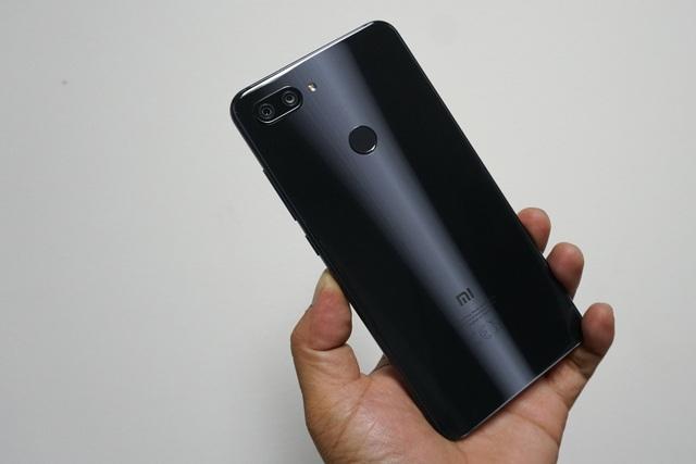Đập hộp Xiaomi Mi 8 Lite sắp bán tại Việt Nam giá trên 6 triệu đồng - 6