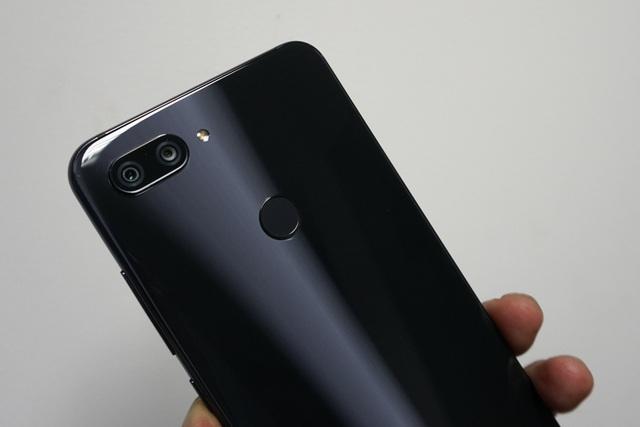 Đập hộp Xiaomi Mi 8 Lite sắp bán tại Việt Nam giá trên 6 triệu đồng - 5
