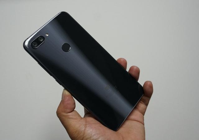 Đập hộp Xiaomi Mi 8 Lite sắp bán tại Việt Nam giá trên 6 triệu đồng - 3