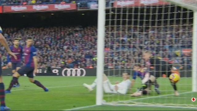 Marcelo ghi bàn rút ngắn tỷ số xuống 1-2 cho Real Madrid