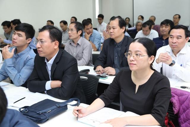 Các đại biểu tham dự hội thảo cách mạng công nghiệp 4.0