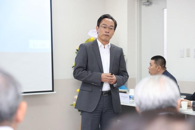 PGS.TS Hoàng Minh Sơn, Hiệu trưởng trường ĐH Bách khoa Hà Nội phát biểu tại hội thảo