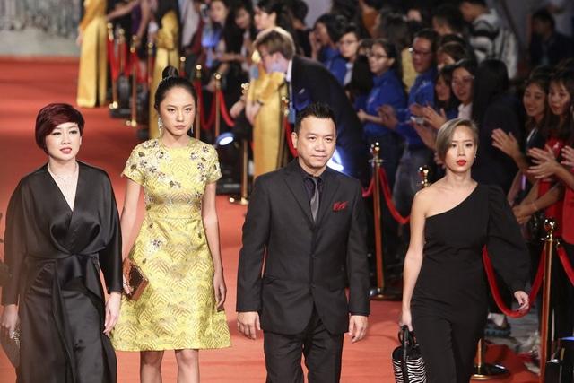 Nghệ sĩ Việt và quốc tế lộng lẫy trên thảm đỏ LHP Quốc tế Hà Nội V - 27