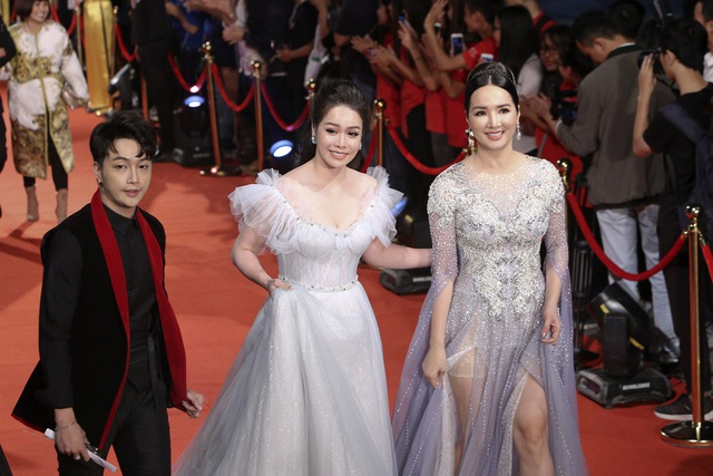 Nhật Kim Anh và Hoa hậu Giảng My