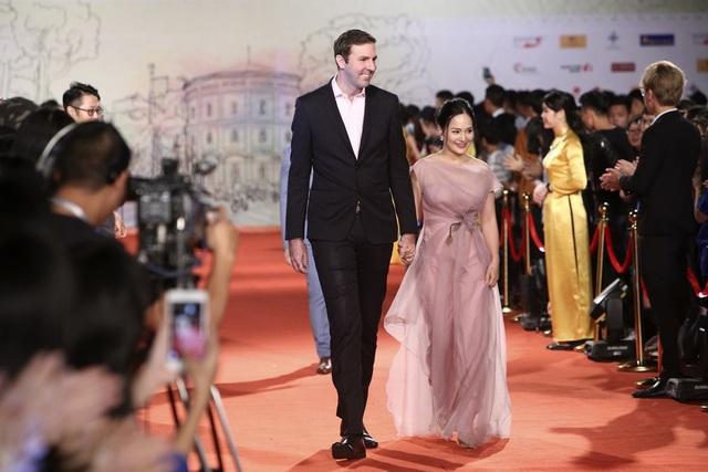Vợ chồng diễn viên Lan Phương.